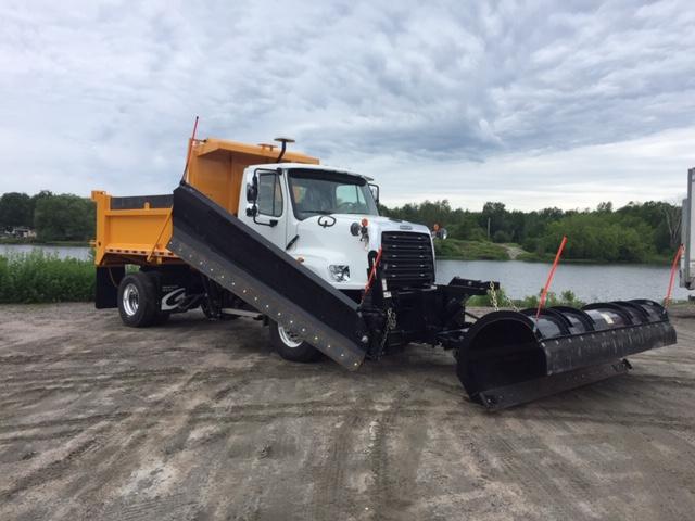 Freightliner / Viking 4×4 Demo Plow Truck